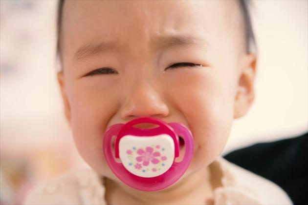 夜泣きする赤ちゃん