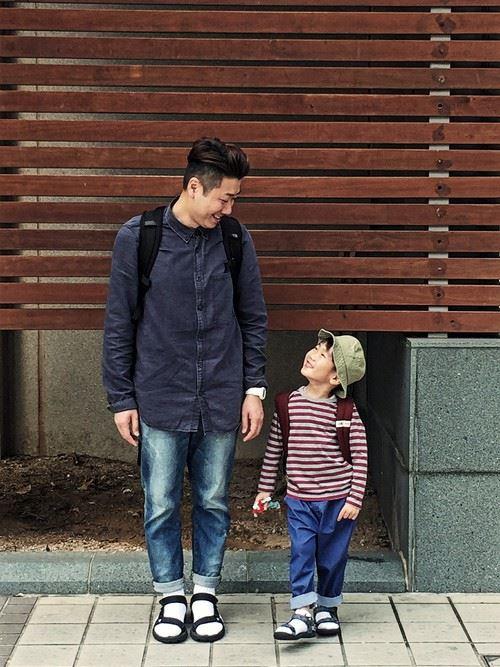 パパと子供の春夏親子コーディネート画像1